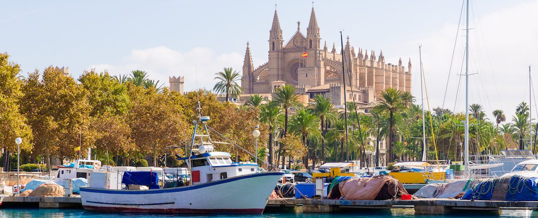 "Find a ""lock up and leave"" character apartment in Palma city, Mallorca"